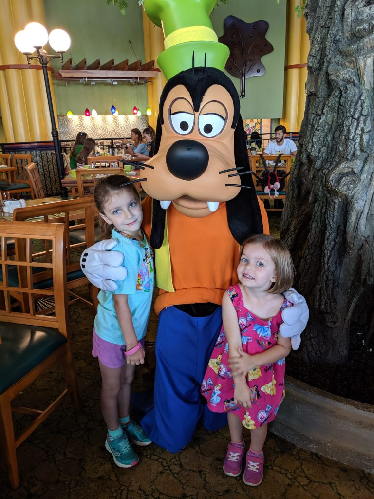 The kids meeting Goofy